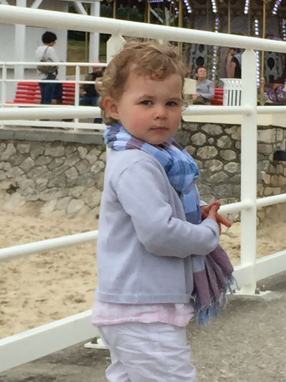 Believe it or not, toddlers wear scarves in France.